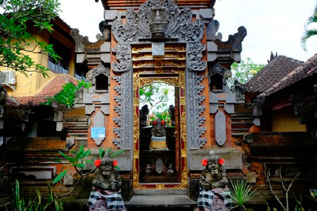 6 Inspirasi Model Angkul Angkul Style Bali Terbaru
