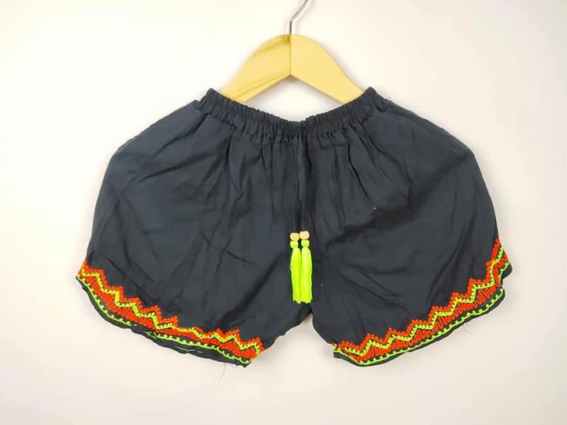 Celana Pendek Wanita Renda