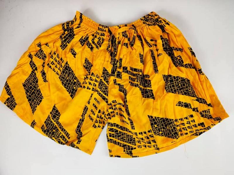 Celana Pendek Wanita Motif Abstrak