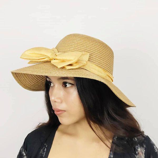 Topi Pantai Lebar Wanita