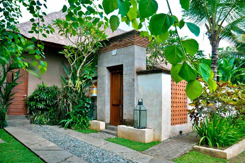 Angkul Angkul Bali Batu Alam