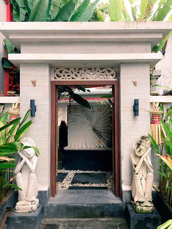 Harga Angkul Angkul Bali